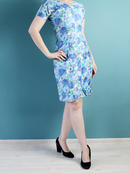 Lata pięćdziesiąte - bawełniana sukienka ołówkowa w kwiaty