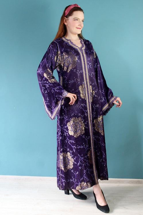 Lata siedemdziesiąte - wiskozowa szata jak abaya fioletowa kwiaty