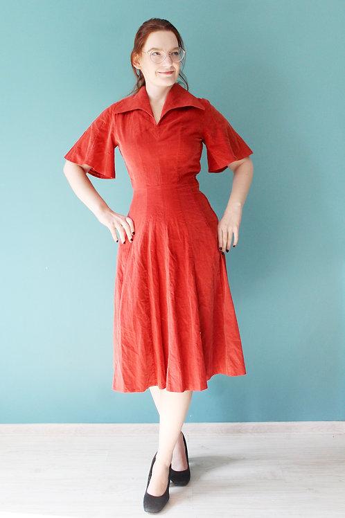 Lata siedemdziesiąte jak trzydzieste sztruksowa ceglana midi sukienka bawełniana
