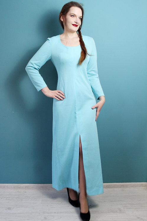 Lata siedemdziesiąte - bistorowa niebieska suknia Elsy