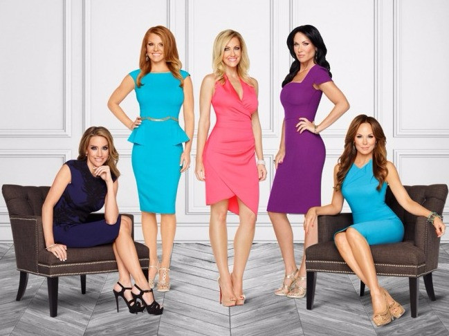 Main cast members L-R Cary Deuber, Brandi Redmond, Stephanie Hollman, Lee Anne Locken and Tiffany Hendra