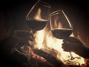 Wine-toast-and-fireplace1-555x426_edited_edited.jpg