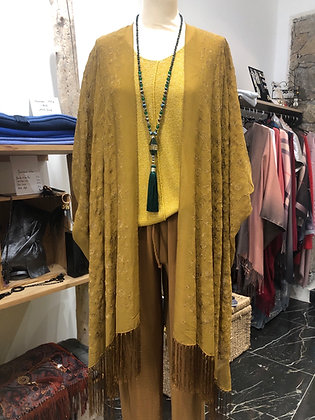 Kimono soie moutarde.