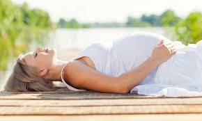 Aprenda a relaxar e aliviar a tensão durante a gravidez