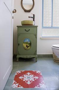 אווירה מיוחדת גם בשירותים