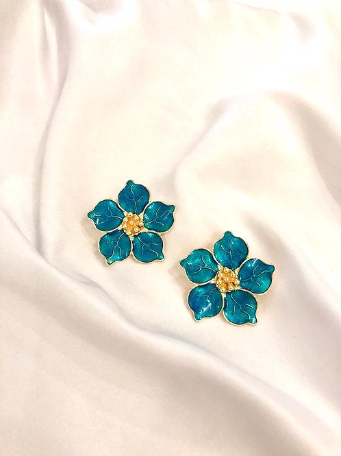 Brinco Flor Camélia - Esmaltado Azul - Banhado a ouro
