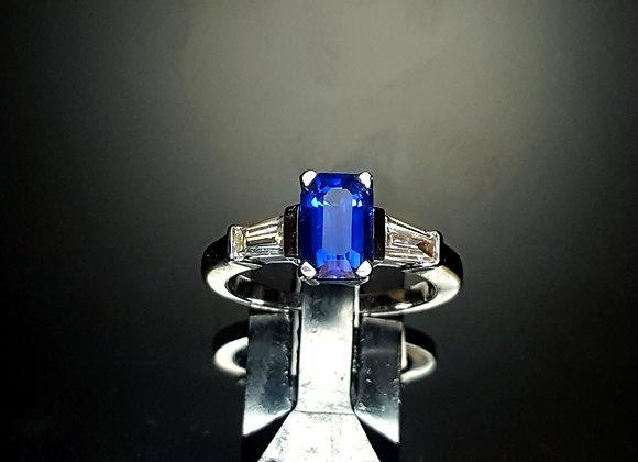 2.20ct Sapphire Ring