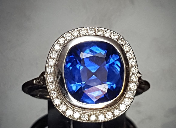 3.67ct Sapphire 18KW Ring