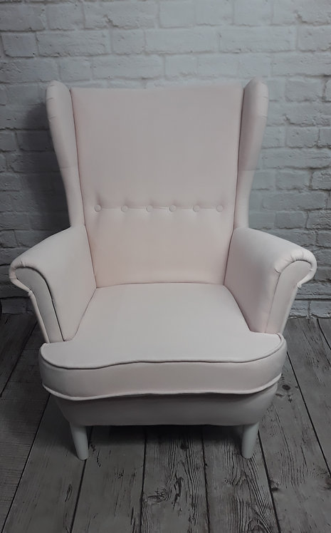 Fotel uszak guzik