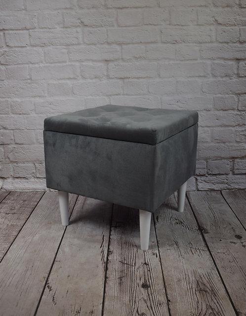 Pufa kwadratowa 50x50 otwierana PORTO na nogach