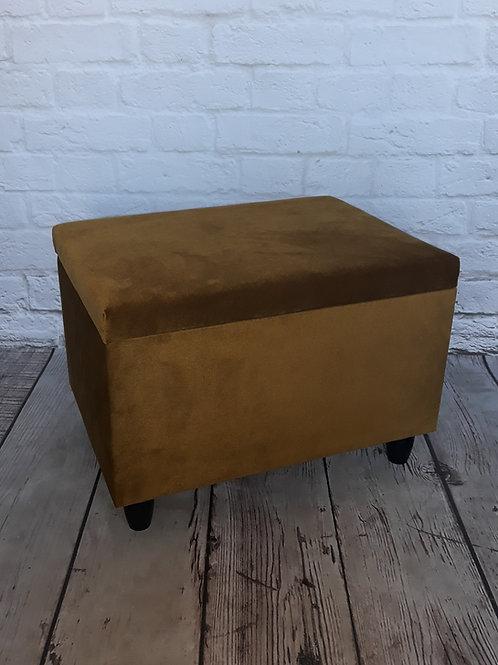 Podnóżek otwierany/ Kufer mały