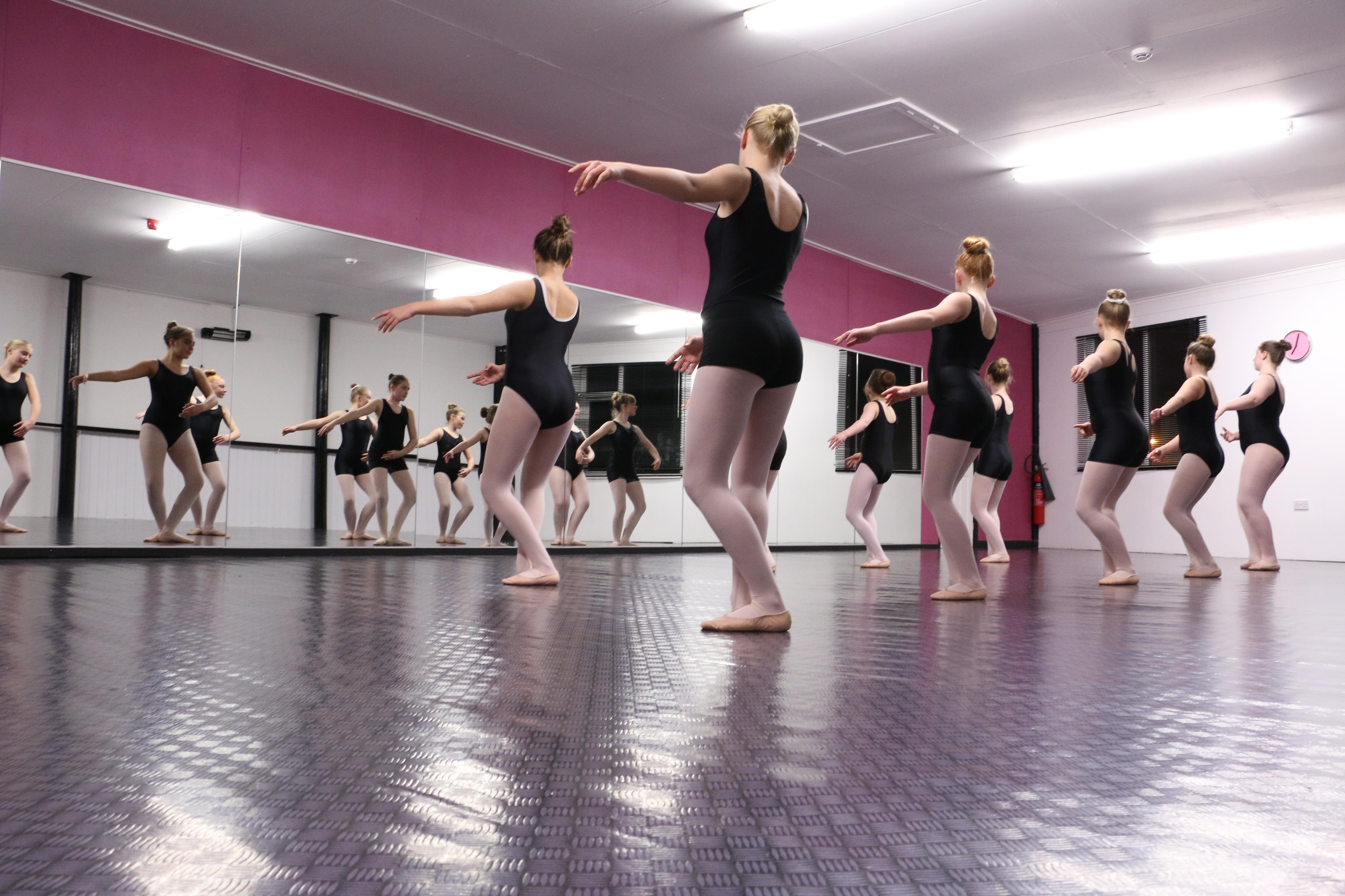 LiquiDance Ballet Classes Ossett
