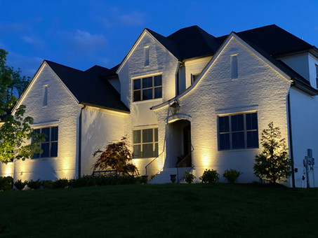 REASONS TO HIRE AN OUTDOOR LIGHTING SPECIALIST
