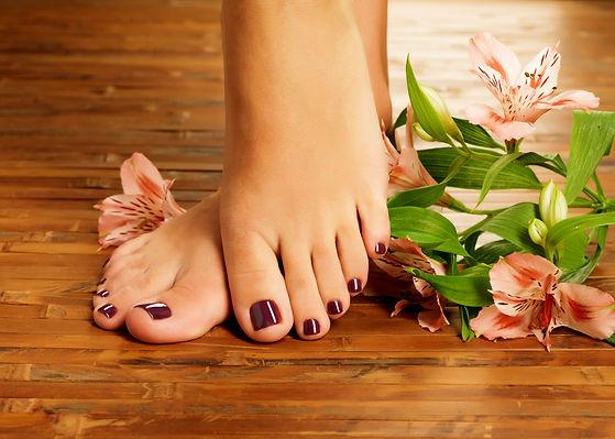 closeup-photo-female-feet-spa-salon-pedi