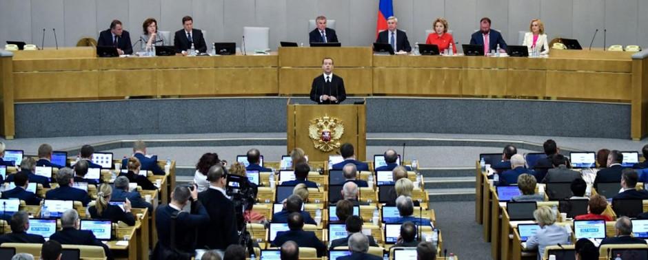 """Kansalaisjärjestöt kritisoivat Venäjän suunnitelmaa laajentaa """"agenttilakia"""" journalisteihin"""