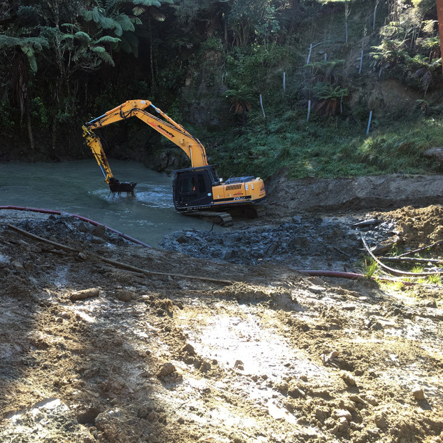 CULVERT CLEARING ON THE PNGL