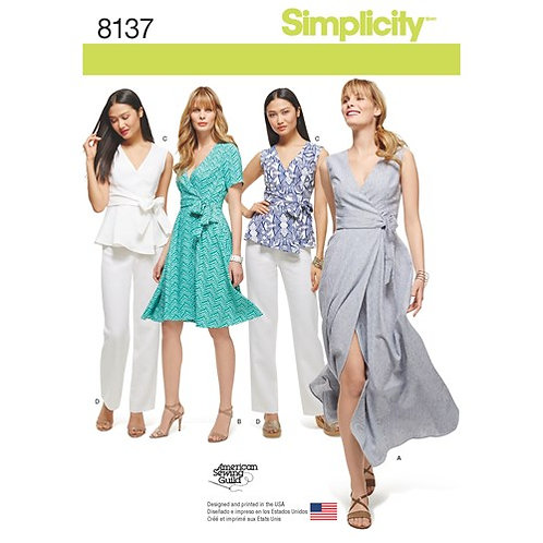 Simplicity 8137 Wickelkleid, Top & Hose