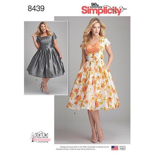 Simplicity 8439 Sommerkleid im Retro-Look