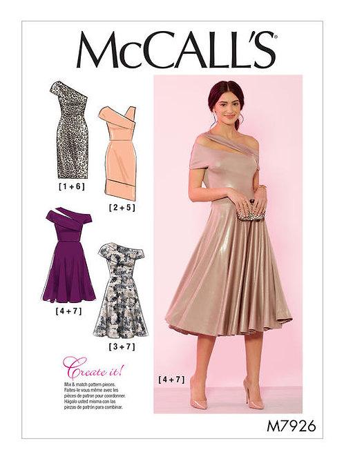 McCall's 7926 ausgestelltes Jerseykleid