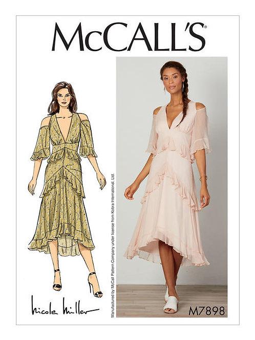 McCall's 7898 Abendkleidmit Empire-Taille und Volantrüschen