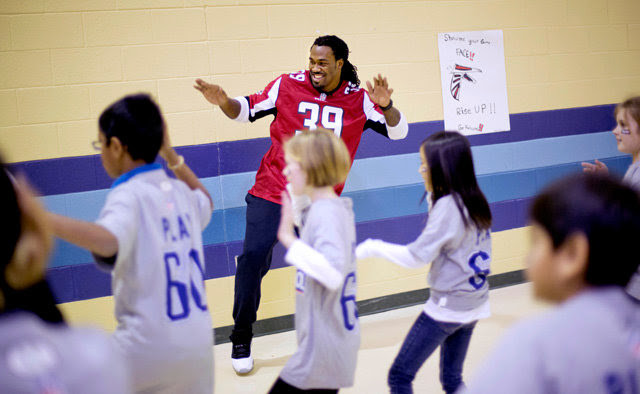 Chapel Hill Middle School Fule Up To Play60 is sponsored by the NFL Play 60, NFLPA National Office, NFLPA