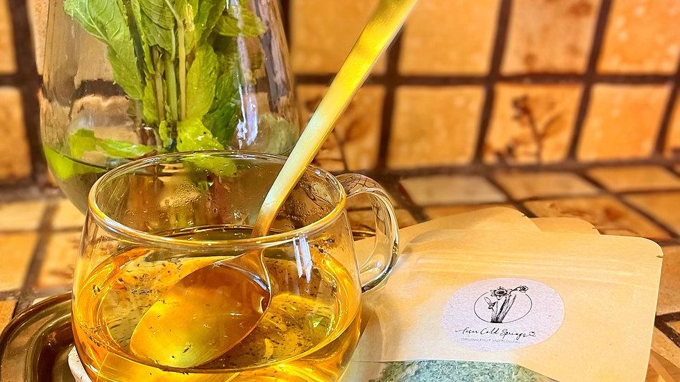 Organic dried Spearmint tea leaves