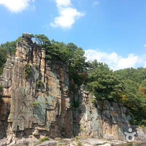 หินสายน้ำ (Sainam Rock (단양 사인암))