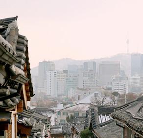 ท่องเที่ยวหมู่บ้านโบราณแบบเกาหลี ที่หมู่บ้านบุกชน ฮันอก (Bukchon Hanok Village)