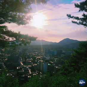 เดินกินลมชมวิวยามค่ำคืนของโซลที่สวนสาธารณะนักซาน (Naksan Park)