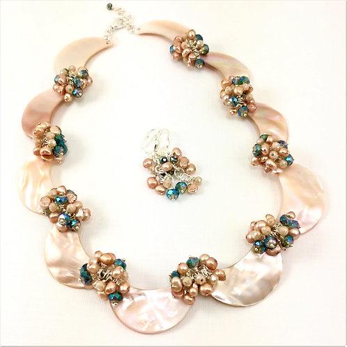 Sparkling Champagne Necklace Set