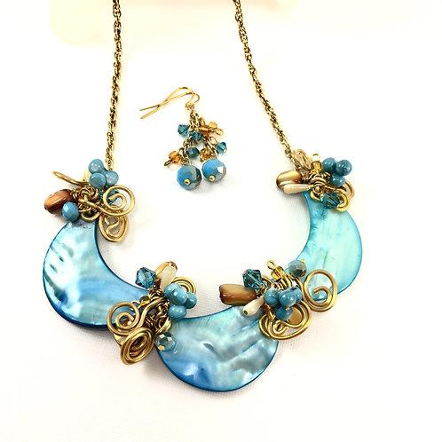 Scalloped Sea Necklace Set
