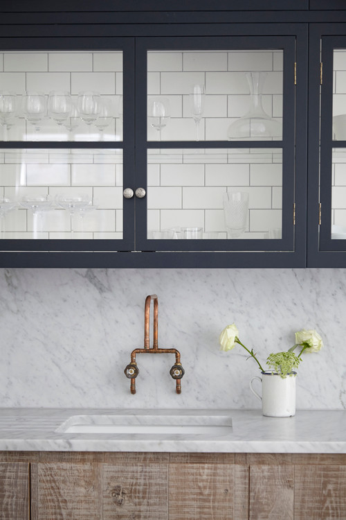 two-toned kitchen cabinets 02
