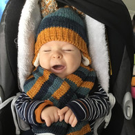Victor's nieuwe muts en sjaal