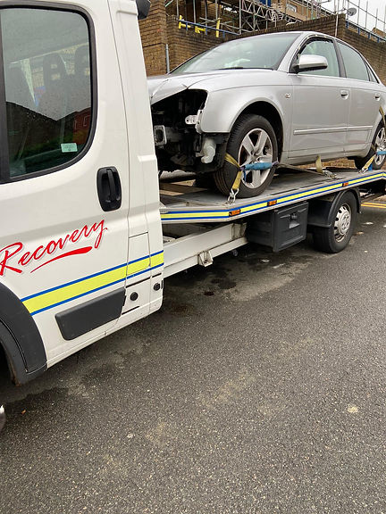 Car Recovery services in north London.jpg