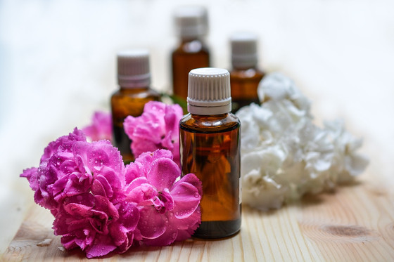 Natural Facial Oils: 5 Anti-Aging, Complexion-Clearing Gems for All Ages