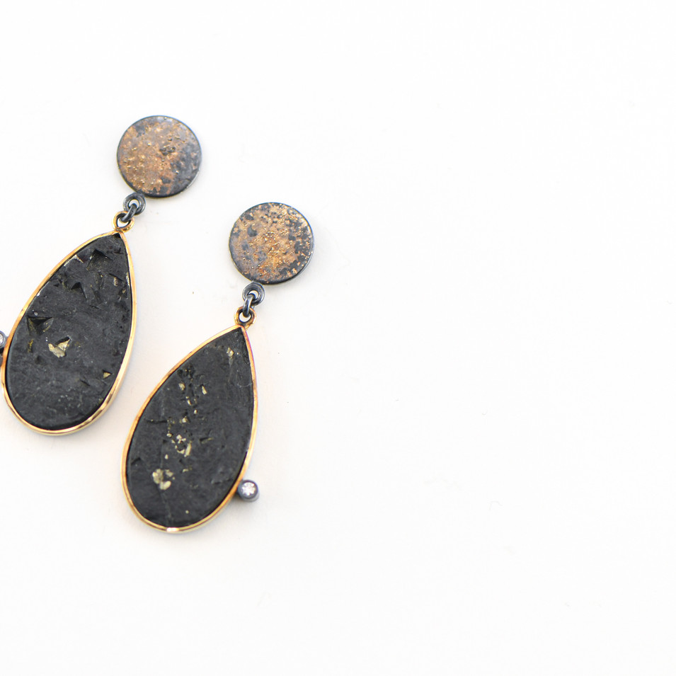 Rocky Pardo Black And Gold Drip Earings.