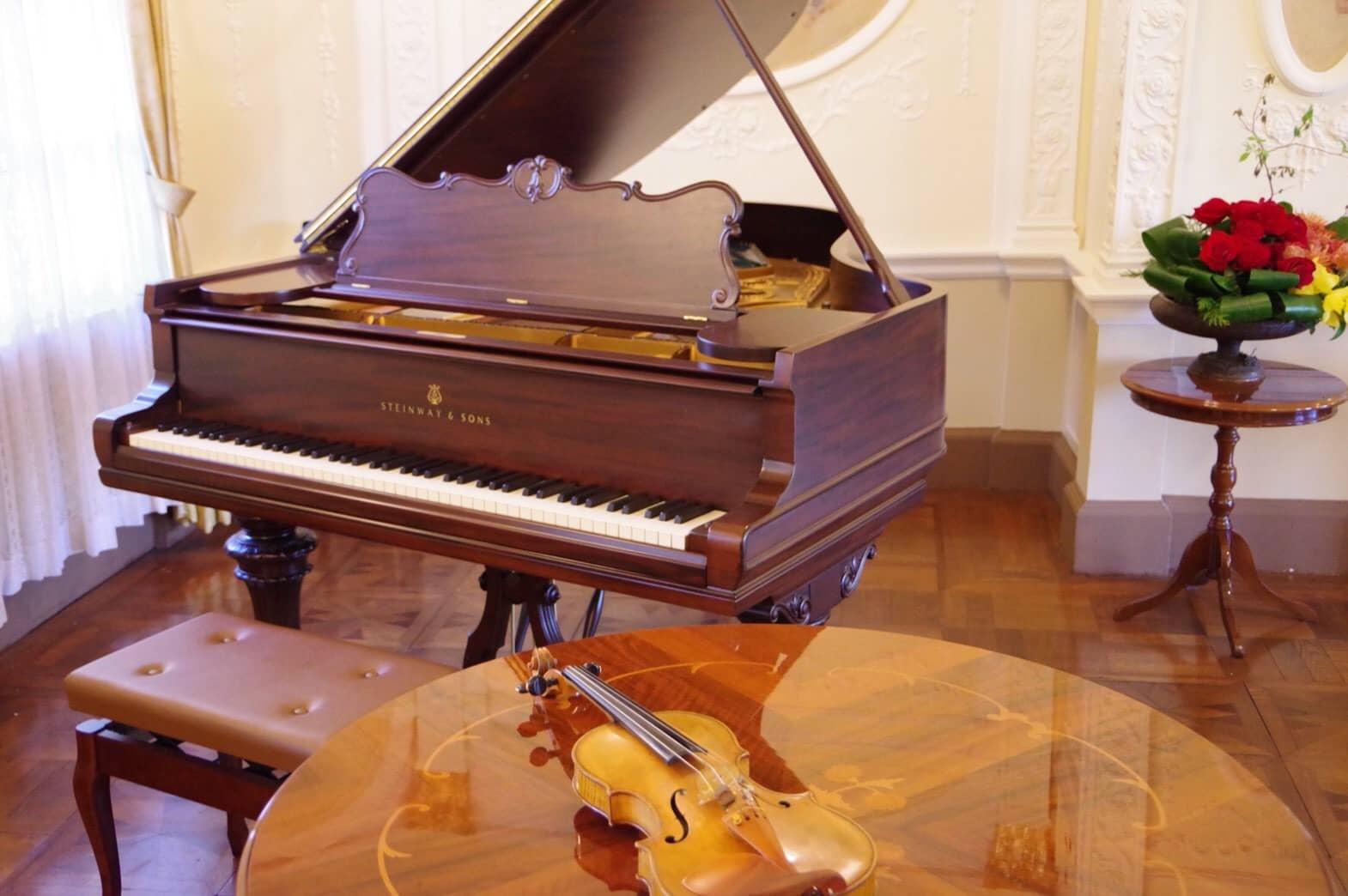 STEINWAY&SONS