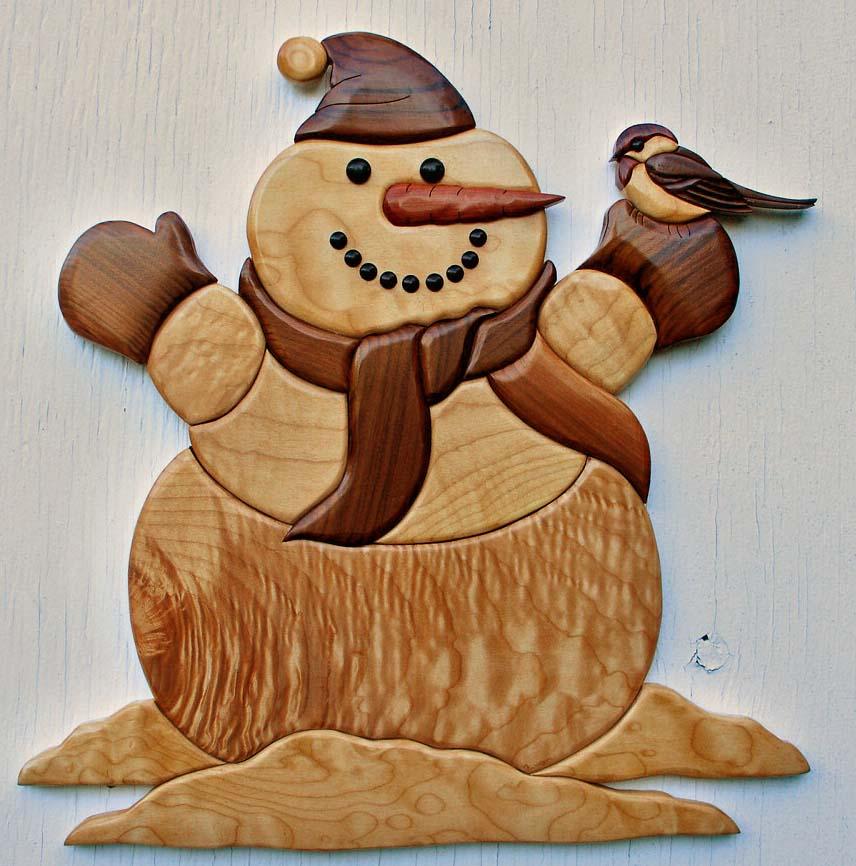Bonhomme de neige et oiseau