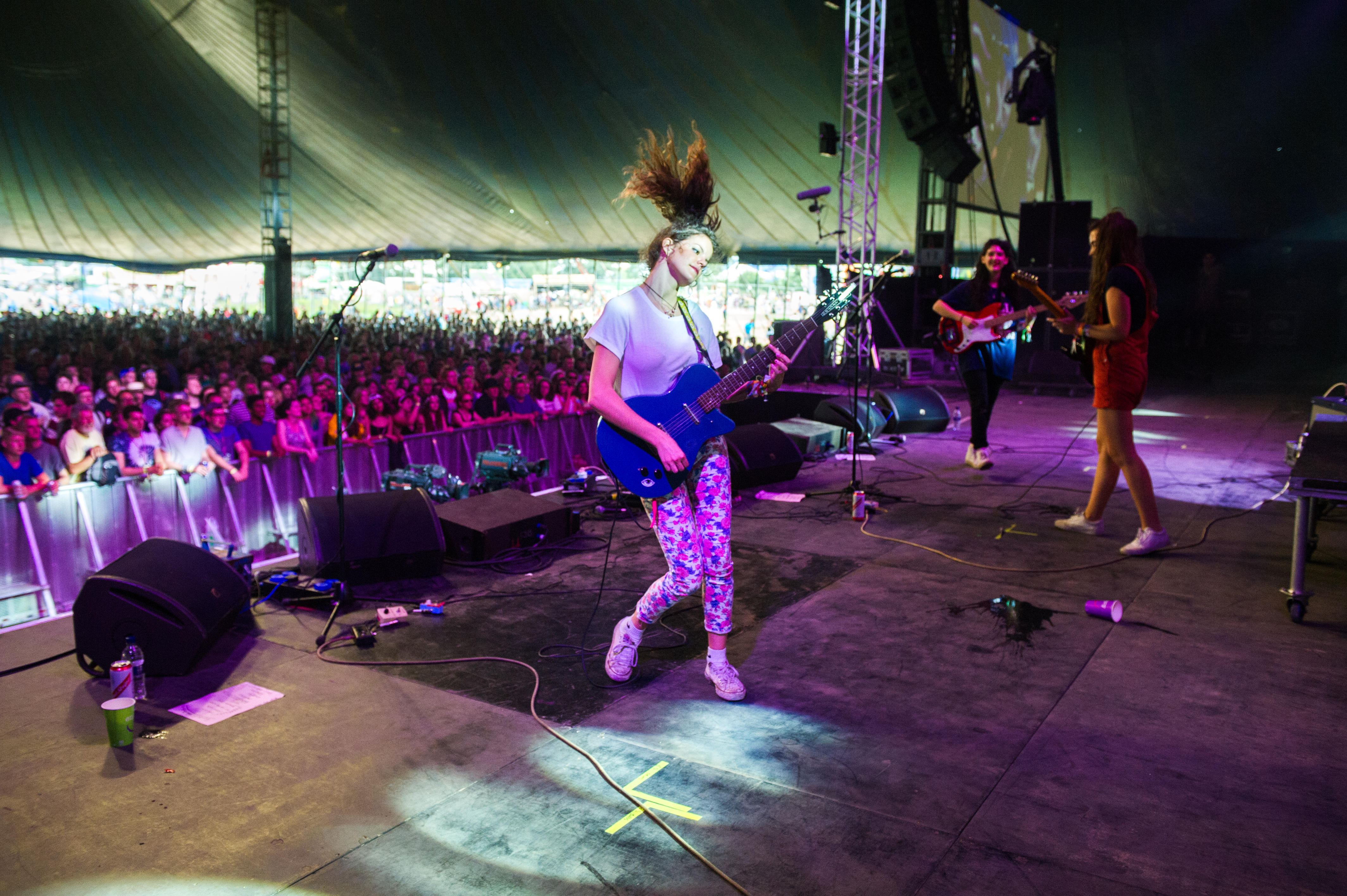 Hinds7105_Glastonbury2015_LP