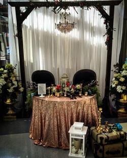 Sweetheart table #sweetheart #rusticbrid