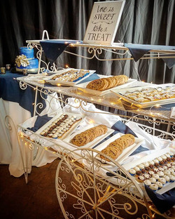 New dessert cart! _#weddinginspiration #