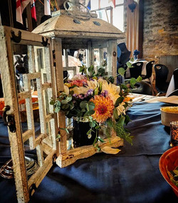 We love lanterns! _#weddinginspiration #