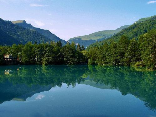 Экскурсия из Кисловодска - КБР Горный комплекс, Голубое озеро, Чегемские водопады