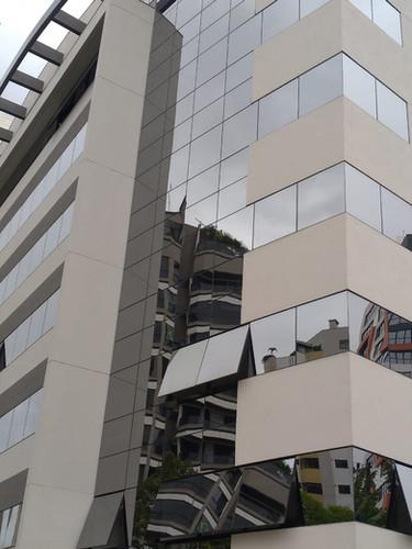 Esdificio Square Office