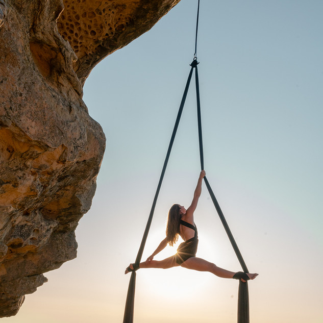 Silks and Sunset at Lizards Mouth