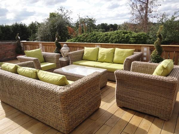 amenager-terrasse-mobilier-jardin-resine-tressee-93261-2