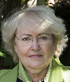 Julia Onken.png