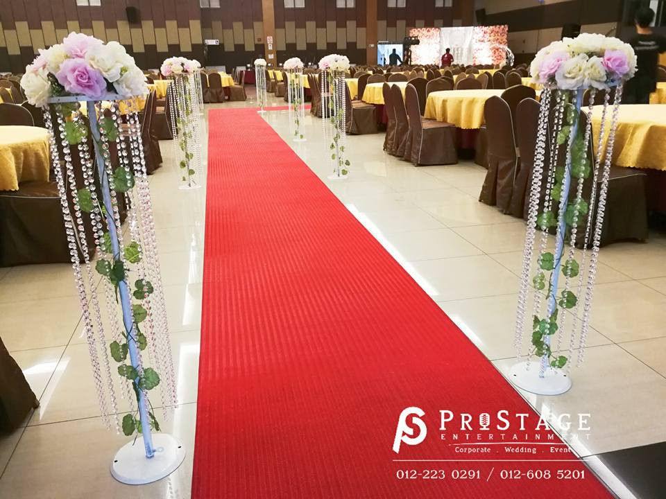 Walkway~ with Bouquet and Crystal Strand Stand