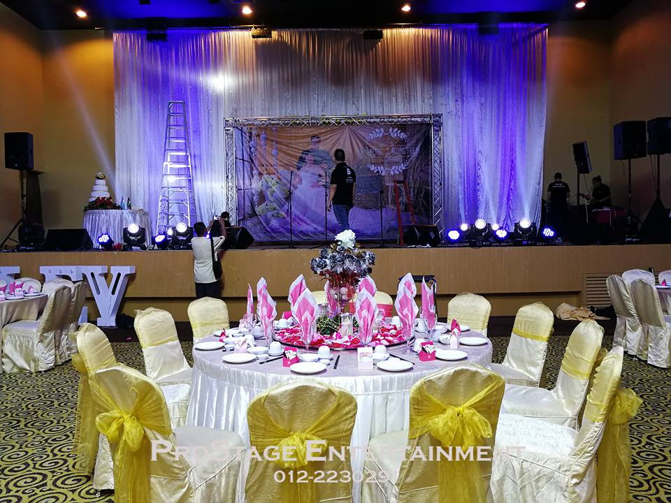 Stage of the night from Groom and Bride Table