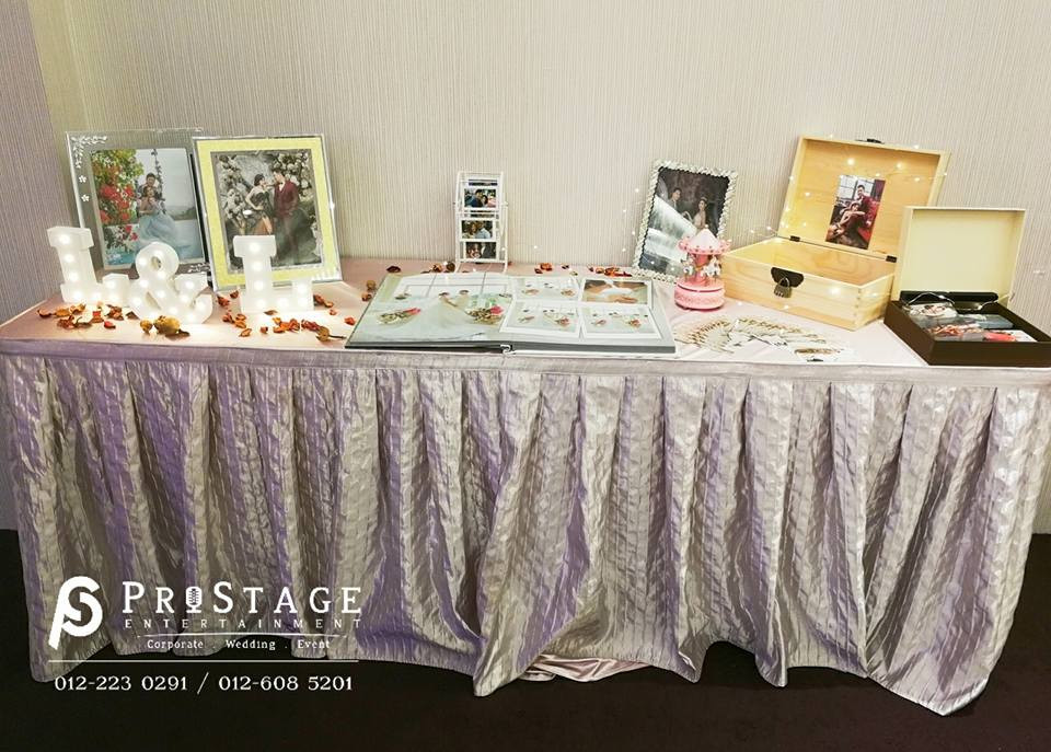 Photo Album Table